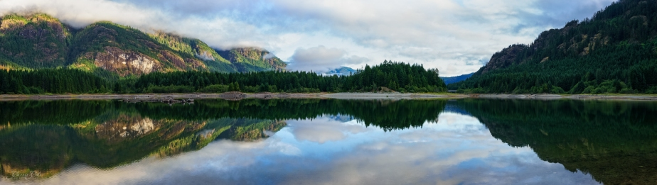 Buttle Lake in Strathcona Park on Vancouver Island at first light. f
